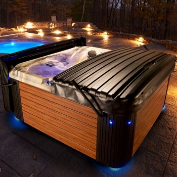 Strong Summit hot tub for sale winnipeg